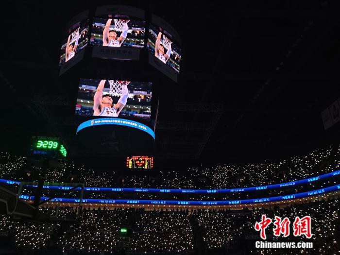 中国新闻网:我们在寒冬的夜晚与吉�慈攘腋姹� 而后迎接太阳升起
