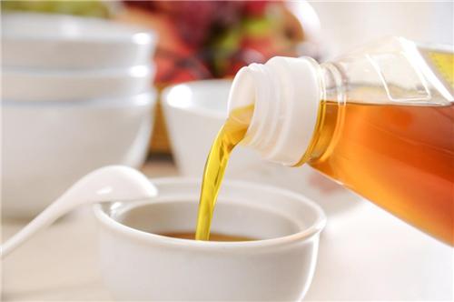 大众网・海报新闻@您家菜籽油是低芥酸吗?鲁花低芥酸菜籽油 又香
