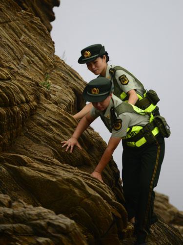 刘公岛女子边防派出所:海岛上迎风绽放的军中绿花