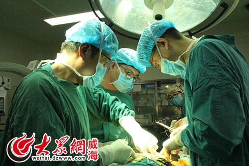术之一,此次手术的成功,标志着威海卫人民医院骨创外科在人工关节置换
